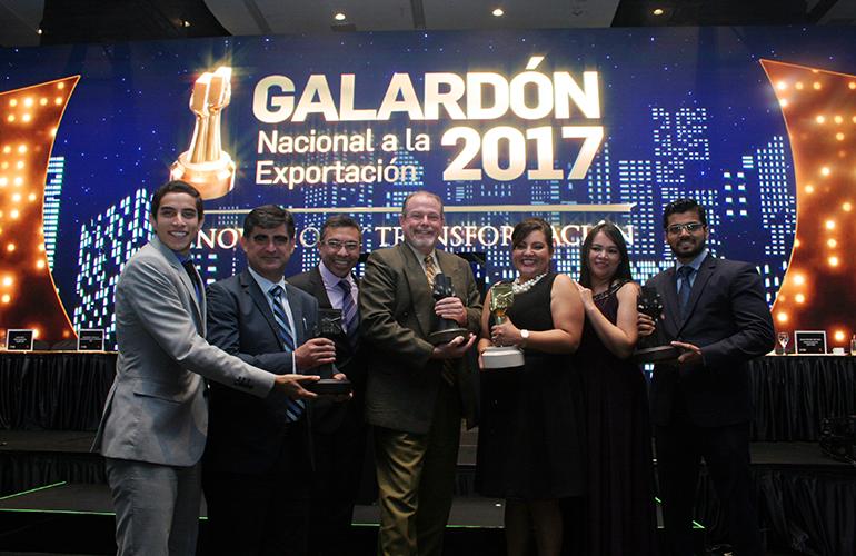 Los Galardonados de los sectores de Exportación, Grupo Cobán, 24/7 y Foragro