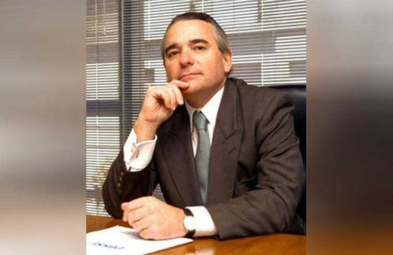 •Carlos Pallotti: El nuevo rol de la educación como motor de la competitividad en la economía del nuevo milenio.
