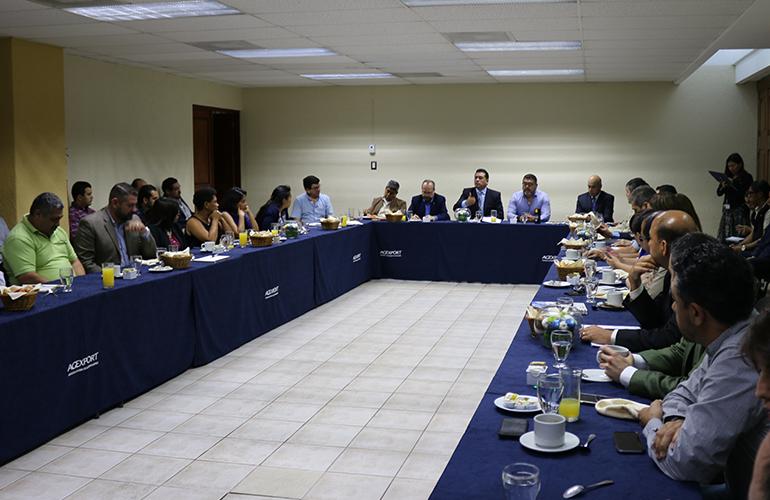 En esta reunión participaron representantes de EMPORNAC y representantes de exportadores, Superintendencia de Administración Tributaria, Ministerio de Agricultura, Navieras, Operadores Logísticos, Agentes Aduaneros y CUTRIGUA.