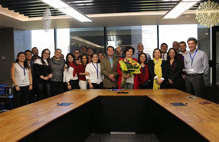 Vicepresidente de AGEXPORT, Licda. Connie de Paiz con parte del equipo de AGEXPORT