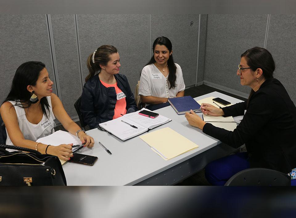 Comité de Mujeres realiza Alianza Estratégica y convoca a lideresas para formar parte del programa Women@Work