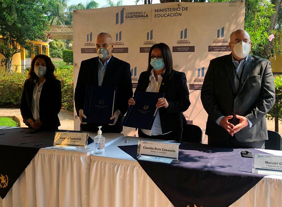 AGEXPORT y MINEDUC firman convenio para el idioma inglés