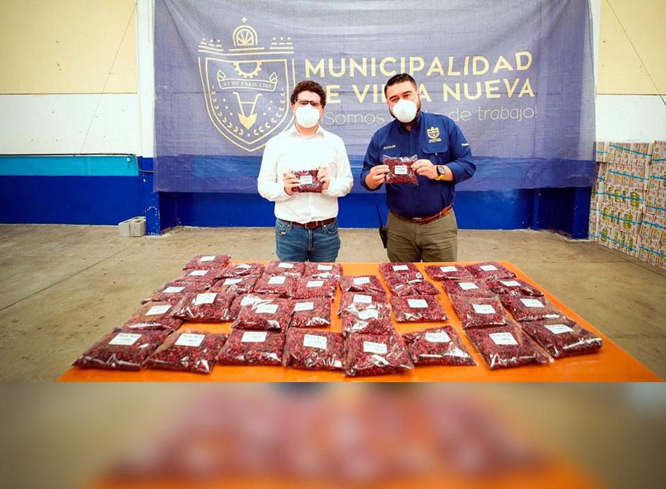 donaciones de frijol a familias de COVID-19