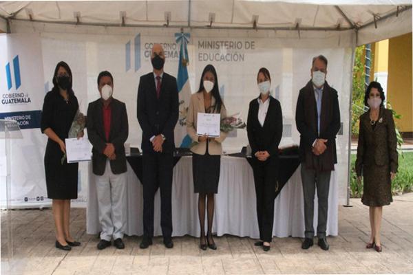 AGEXPORT participó en entrega de reconocimiento a directora y maestras del Proyecto Piloto de Inglés 2020
