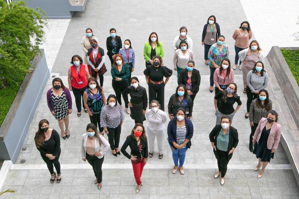 Mujeres aportando al desarrollo de las exportaciones en Guatemala