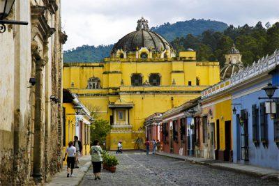 El Salvador y Guatemala le apuestan a la reactivación de la industria del turismo